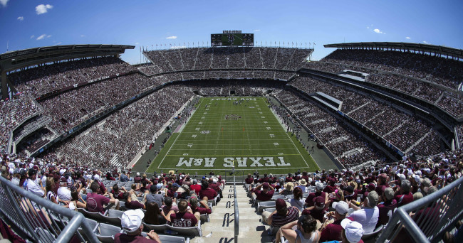 Sec claims some of world 39 s largest stadiums for Texas motor speedway college station