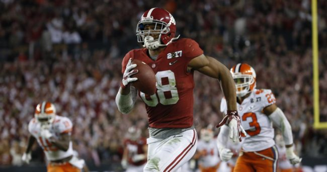 Jan 9, 2017; Tampa, FL, USA; Alabama Crimson Tide tight end O.J. Howard (88) makes a touchdown catch against Clemson Tigers safety Van Smith (23) during the third quarter in the 2017 College Football Playoff National Championship Game at Raymond James Stadium. Mandatory Credit: Kim Klement-USA TODAY Sports